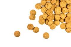 Puñado de galletas lanzadas de Pepernoten Imágenes de archivo libres de regalías