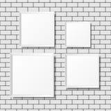 Puści biali plakaty na ściana z cegieł Puste kanwy realistyczny Zdjęcia Royalty Free
