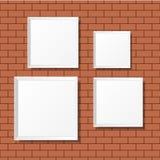 Puści biali plakaty na ściana z cegieł Puste kanwy realistyczny Zdjęcia Stock