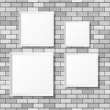 Puści biali plakaty na ściana z cegieł Puste kanwy realistyczny Zdjęcie Royalty Free