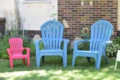 Puści plenerowi Adirondack krzesła Obrazy Stock