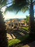 Puści sunbeds na plaży zdjęcie royalty free