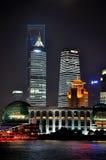 Pu-Dong van China Shanghai de nachtmening van Lujiazui Stock Foto's