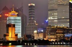 Pu-Dong van Shanghai de nachtmening van Lujiazui Royalty-vrije Stock Afbeelding