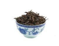 Pu -pu-erh thee, los geïsoleerd blad, Stock Foto