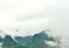 山的看法在Pua区 图库摄影