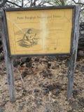 Puako-Petroglyphe-Park Signage lizenzfreie stockbilder