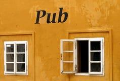 Pub Fotografie Stock Libere da Diritti