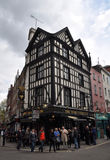Pub anglais populaire dans le West End de Londres Photo libre de droits