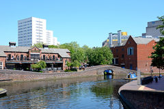 Pub and canal, Birmingham. View of The Malt House pub at Old Turn Junction, Birmingham, England, UK, Western Europe Stock Photo