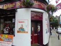 Pub viejo en centro de ciudad de Galway Foto de archivo