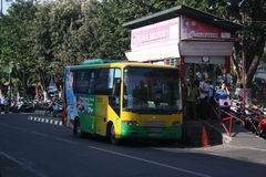 Public indonésien de transport image stock