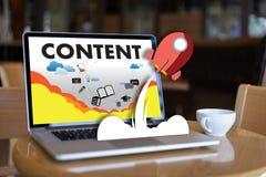 a publicação Blogging dos meios dos dados satisfeitos do índice do mercado informa fotografia de stock