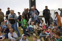 Publice y la policía en Borodino luchan la reconstrucción histórica Fotos de archivo