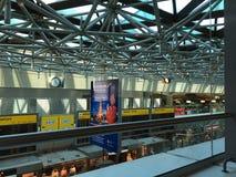 Publicité russe de lignes aériennes dans l'aéroport de Tegel, Berlin Photographie stock libre de droits