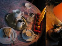 publiczność tortowa kawa korzysta z pewną wolę pana Zdjęcia Stock