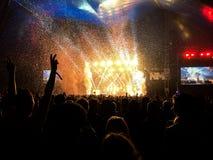 Publiek door de Reeks die van de Band wordt verbaasd Royalty-vrije Stock Foto's
