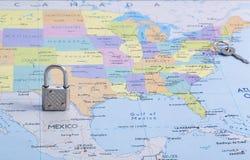 Publiez entre les deux grands pays et incapacités de passer la frontière Image libre de droits