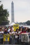 Publikum auf dem nationalen Mall hört auf Präsidentenreden Lizenzfreie Stockbilder