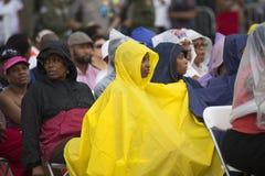 Publikum auf dem nationalen Mall hört auf Präsidentenreden Lizenzfreie Stockfotos