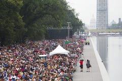 Publikum auf dem nationalen Mall hört auf Präsidentenreden Lizenzfreies Stockfoto