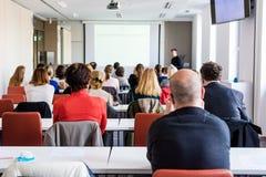 Publikum bei der Geschäftskonferenz Stockfoto