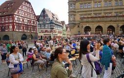 Publikum eines Konzerts in Rothenburg Lizenzfreies Stockbild