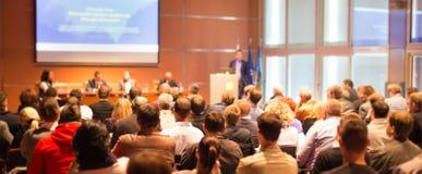 Publikum am Konferenzsaal Lizenzfreie Stockfotos