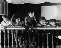 Publikum von Jungen (alle dargestellten Personen sind nicht längeres lebendes und kein Zustand existiert Lieferantengarantien, da Stockfoto