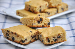 Puce de chocolat Blondies Image libre de droits