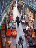 Puces De Święty Ouen, wielki pchli targ w Paryż Fotografia Royalty Free