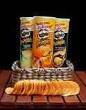 Puces de casse-croûte de Pringles photos stock