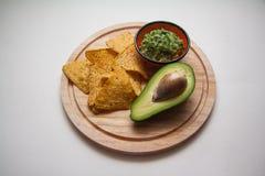 Puces de guacamole et de maïs photo libre de droits