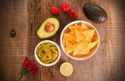 Puces de guacamole et de nacho photos libres de droits