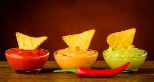 Puces de tortilla et immersion de nacho photos libres de droits