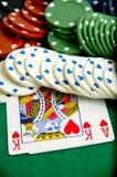 Puces et cartes de jeu Photographie stock libre de droits
