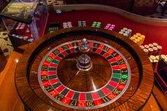 Puces sur la roue de roulette images libres de droits