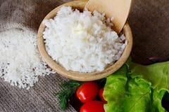 Puchar gotowani round ryż Odgórny widok fotografia stock