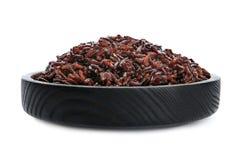 Puchar gotujący brązów ryż odizolowywający fotografia stock
