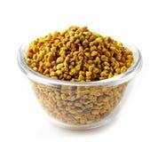 Puchar pszczoły pollen zdjęcia stock
