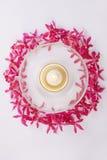 pucharu świeczki okręgu orchidei czerwień Obrazy Royalty Free