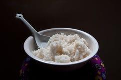 pucharu biel ryżowy kleisty Obrazy Stock