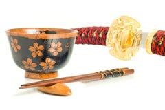 pucharów chopsticks culture japońskiego katana Fotografia Royalty Free