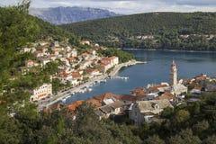 Pucisca,村庄知名为它的白色Brac石头 库存图片