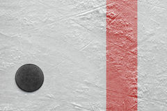 Puck på is Fotografering för Bildbyråer