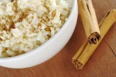 Pudín de arroz con cinamomo Foto de archivo