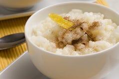 Pudín de arroz. Leche de la estafa de Arroz. Imagen de archivo