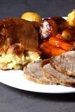 Pudín de la carne de vaca y de Yorkshire Imágenes de archivo libres de regalías