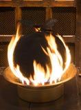 Pudín de la Navidad en el fuego fotografía de archivo libre de regalías
