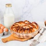 Pudín de pan y de la mantequilla de la nuez Imágenes de archivo libres de regalías